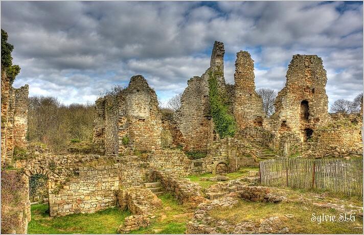 Ruines du château de Gilles de Bretagne
