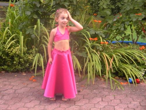 première jupe qui tourne .... pour Lily