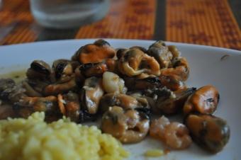 Risotto au safran et ses moules citronnées