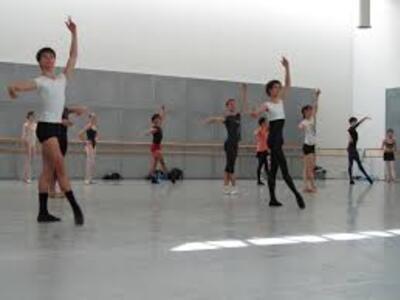 dance ballet class pointes center class work