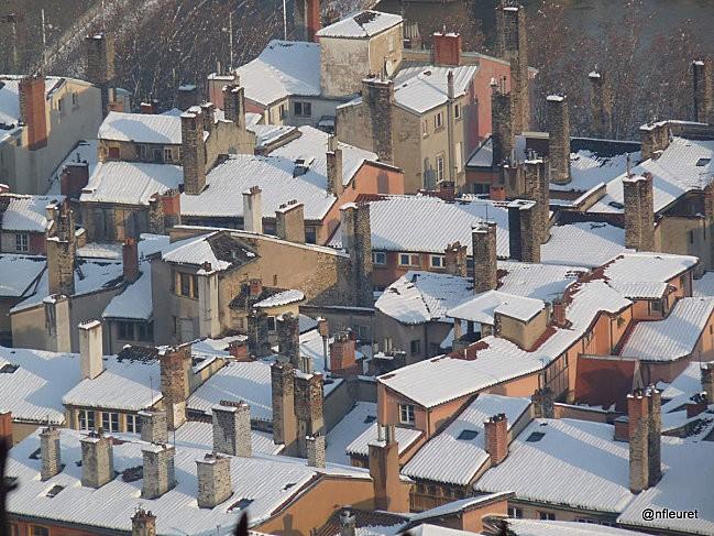 dec neige 2010 TOITS VUES DE FOURVIERE 019