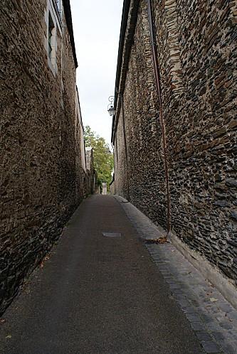 L-rue Greniers St-Jean 02