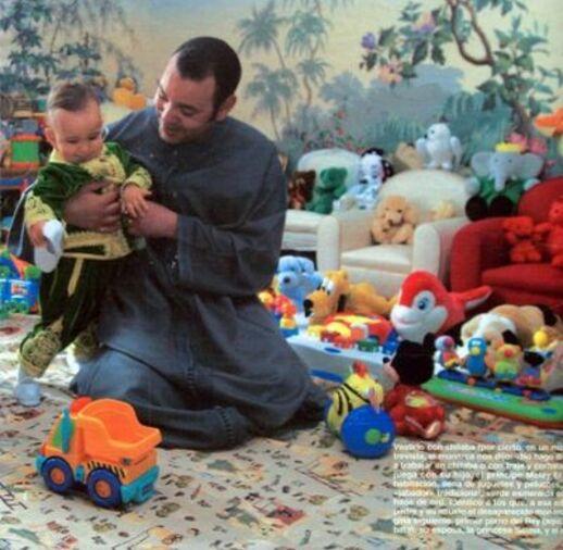 Sa Majesté le roi Mohamed VI et le prince heritier Moulay Al Hassan Galerie photo