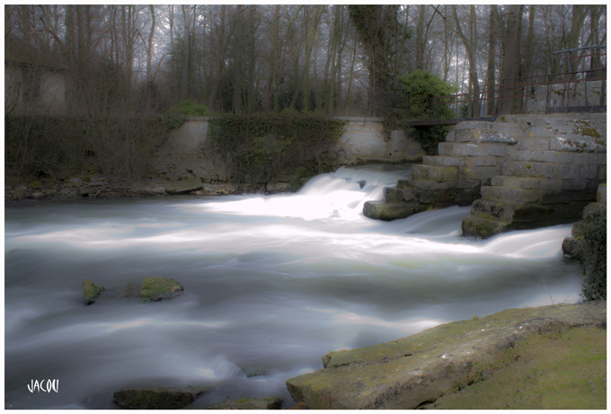 - L'eau et les fées