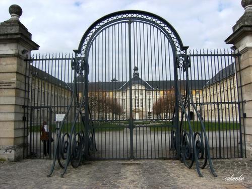 préfecture ,église ste Madeleine