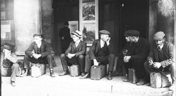Si nous vivions en 1913, départ de la classe - conscrits de l'année 1912 avant leur intégration