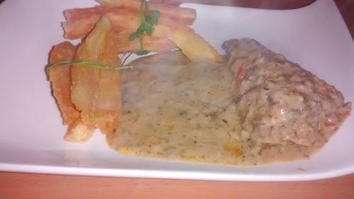 Fagots de manioc et sa sauce arachide au poisson_la cuisinette de laurette