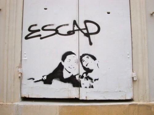 escape street-art Montmartre message pochoir