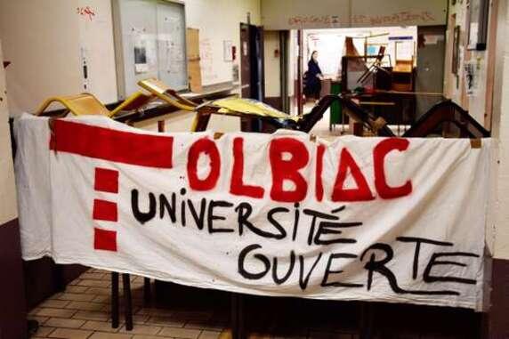 Il faut qu'une université soit ouverte ou fermée