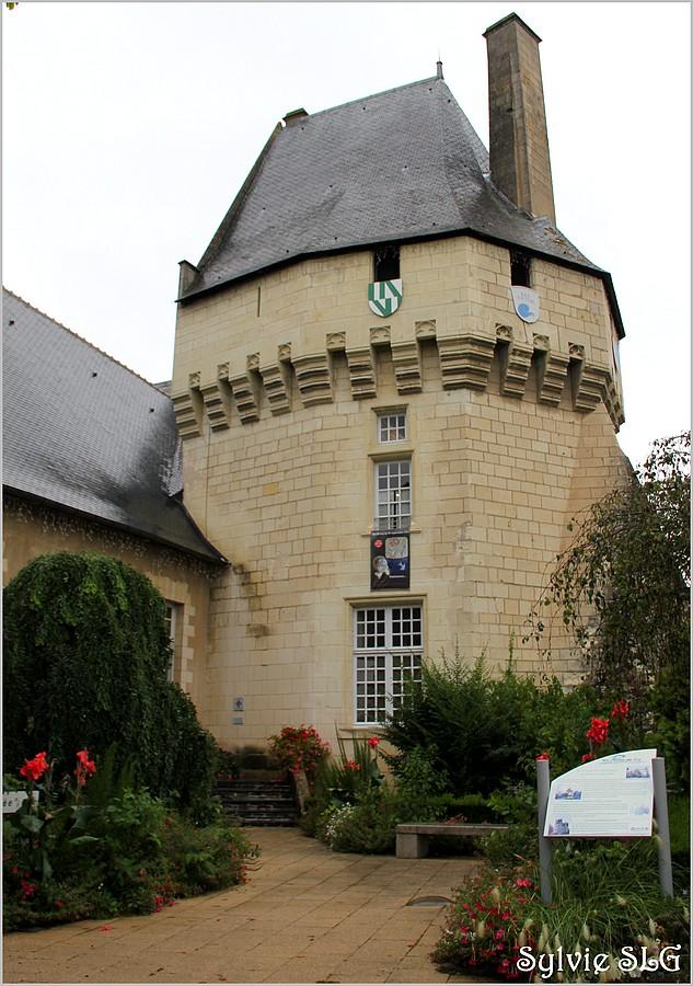 Musée des Coiffes et Traditions d'Anjou