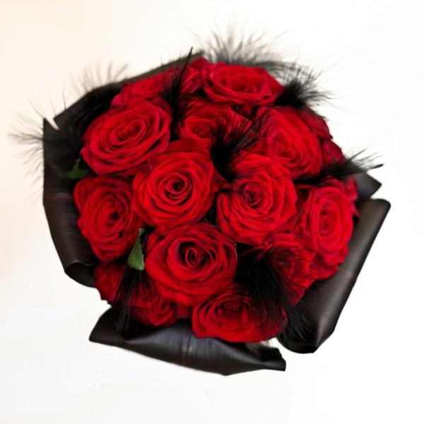 """Bouquet de mariée sur le thème """"rouge et noir"""""""
