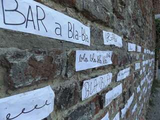égayons le mur ...