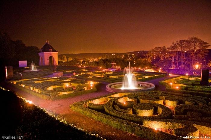 Flâneries Dans Les Jardins Suspendus De Marqueyssac...
