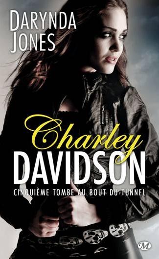 http://skoldasybooks.blogspot.fr/2014/08/charley-davidson-5-cinquieme-tombe-au.html