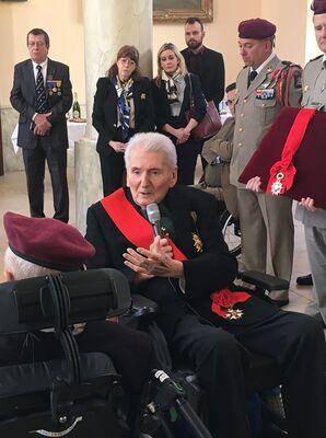 *   Edgard Tüpet-Thomé, Compagnon de la Libération, à l'honneur. Il a été élevé à la dignité de Grand'Croix de la Légion d'Honneur
