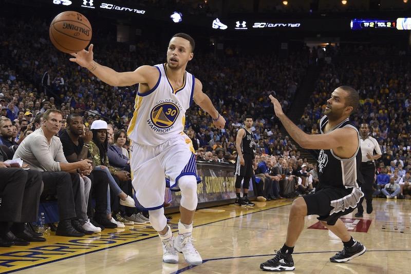 Auteur de sept points en première mi-temps, Stephen Curry (27 points et 9 passes) a pris feu par la suite.
