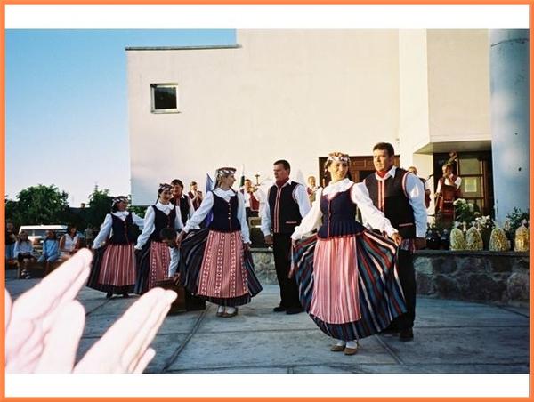 """Grâce au Festival Cultures sans Frontières, l'Association """"Laba Diena"""" nous a fait découvrir la Lituanie..."""