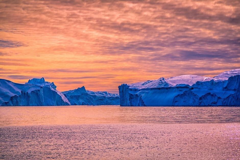 Jakobshavn-Glacier-Greenland-940x626