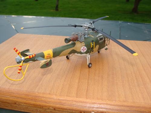 Maquette hélicoptère SA 316B Alouette III Armée de l'Air portugaise au 1/48