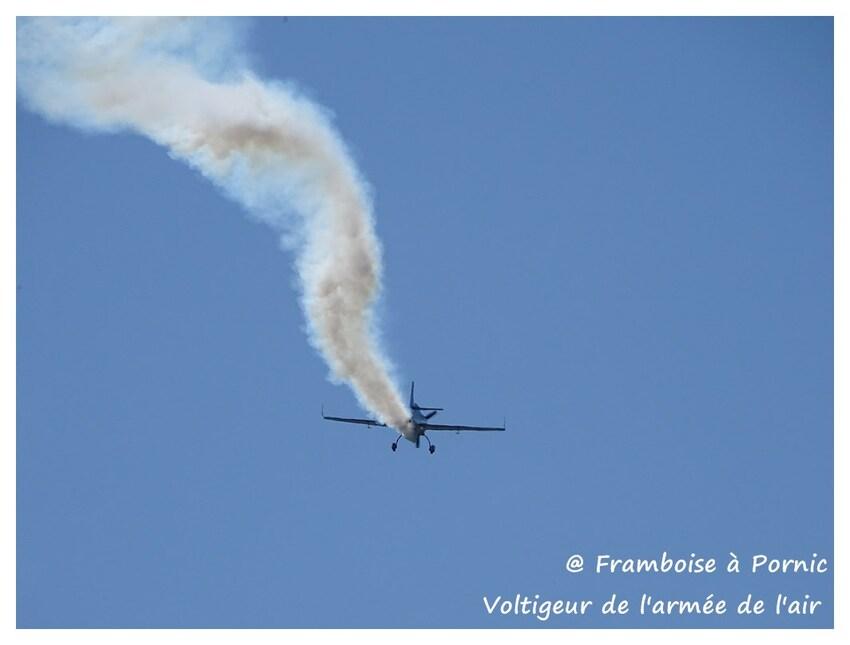 Pornic, Patrouille de France, le rafale et le voltigeur de l'Armée de l'Air 2016