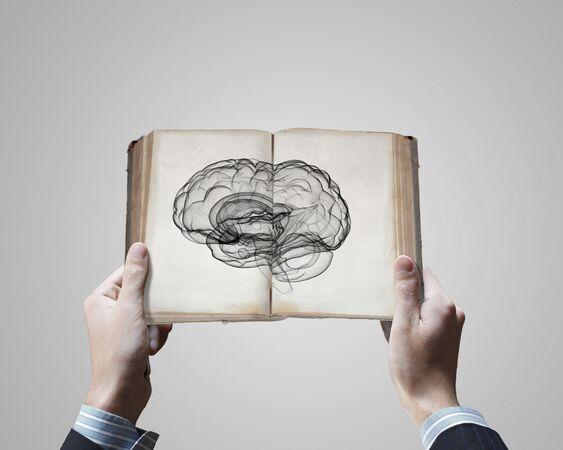 Lire dans les pensées comme dans un livre ouvert : un rêve (ou cauchemar, c'est selon) qui commence à se rapprocher de la réalité. © Sergei Nivens, Shutterstock