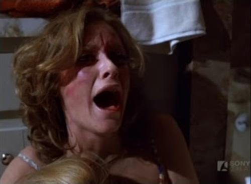 """Kim Lanford et Ted Shackelford dans """"Terror among us""""."""