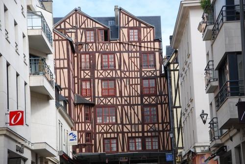 Rouen , autour de la gare