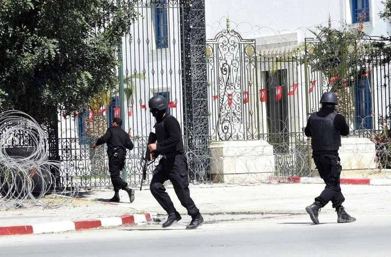 Tunisie : prison à vie pour sept accusés des attentats du Bardo et de Sousse