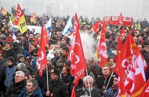 Quimper-Un appel à la grève générale après la manifestation (LT.fr-5/12/19-18h37)