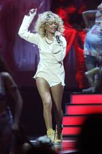 Performance aux Brit Awards : Photos!