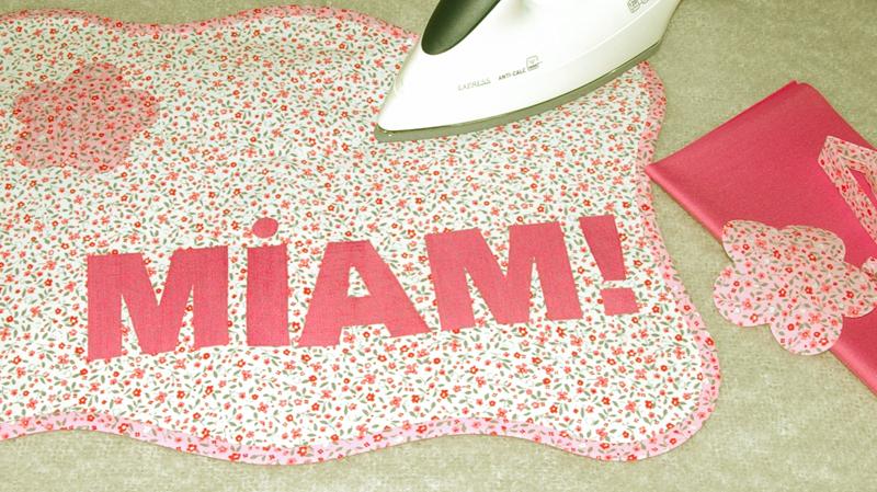 comment fabriquer un super sac en tissu avec motifs sarah cherry. Black Bedroom Furniture Sets. Home Design Ideas