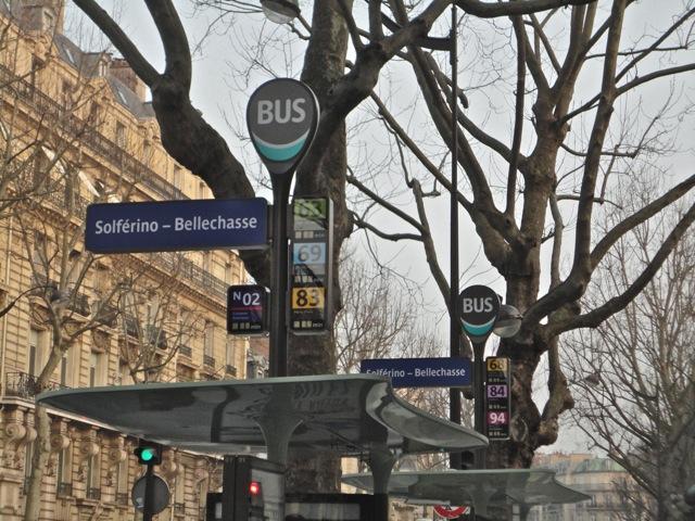 Nouveaux arrêts de bus à Paris, vers la smart city