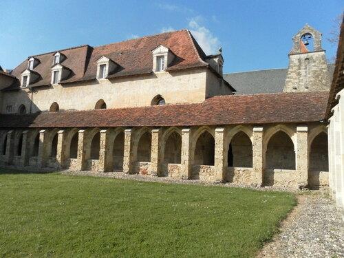 Villefranche de Rouergue 12 :  les Edifices religieux