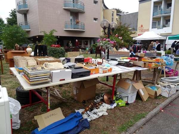 Le vide-greniers 2015 des Amis de la Charme