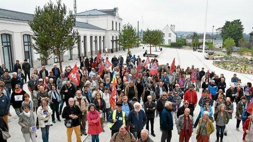 Marée humaine à Morlaix. 250 personnes dans les rues.