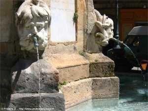 Fontaine romaine ...