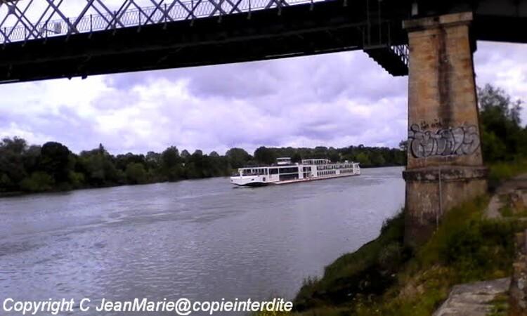 croisière sue la Garonne a bord de superbes bateaux