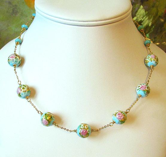 Collier Verre de Murano authentique Perles wedding cake bleu ciel fleurs roses / Plaqué or