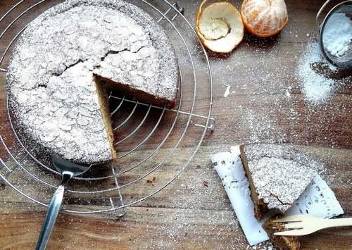 Gâteau aux clémentines et à la farine de châtaigne