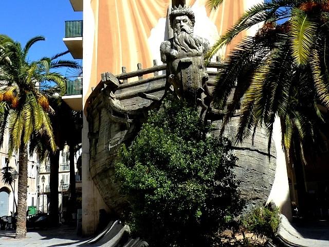 Toulon bateau sculpture de Neptune 4 Marc de Metz 2012