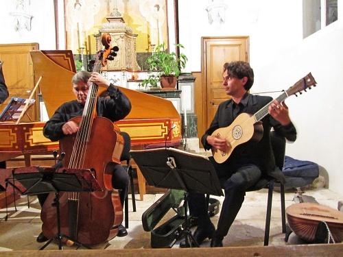 Un très beau concert à Faverolles les Lucey...