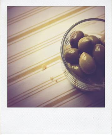 Focaccia gruyère râpé, mozzarelle et olives vertes
