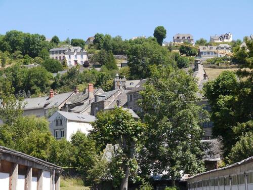 Un vue de Murat les maisons dévalent la pente