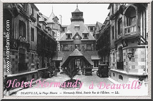 cartes-postales-photos-Le-Normandy-Hotel-et-la-Rue-Gontaut-