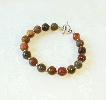 Bracelet Pierre de Jaspe rouge / vert 17 perles rondes 8 mm  / Fermoir Toggle plaqué argent