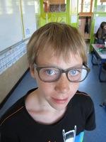 Un nouvel élève avec des lunettes !
