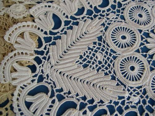Feuilles et branches : motifs crochet