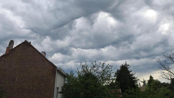 Pentecôte sous les nuages.