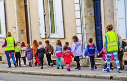 Mères de famille, voile et sorties scolaires– communiqué de presse-