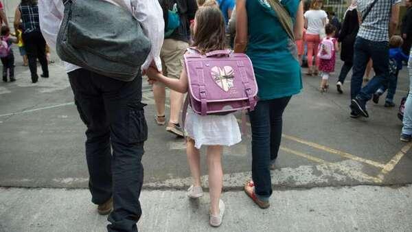 Frère et sœur, ils sont reconnus légalement parents de leur fille